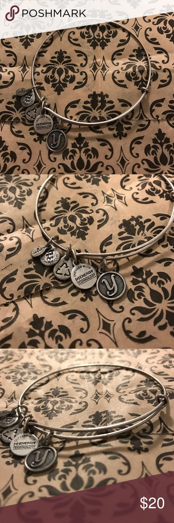 """Alex and Ani """"y"""" initial bracelet NWOT great condition cute everyday bracelet looks good stacked with other bracelets Alex & Ani Jewelry Bracelets"""