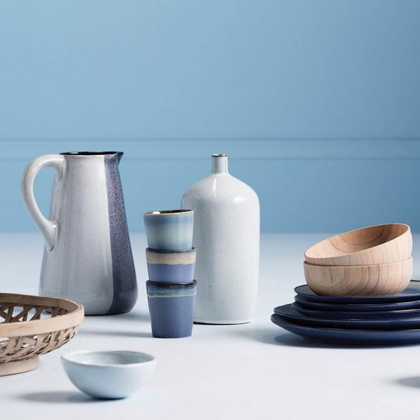 By adding a mixture of both the colours from the Blended Neutrals palette and natural materials like wood, stone and ceramics you can add your own style to any space. 👌🏽 Absolutely loving these @houseoforange homewares paired with the blue/grey hues from our latest Colour Library volume. 💙 • Colour Used - Haymes Sun Dew  Styling By - @ruthwelsby 📸 By - @gemmola Homewares - @houseoforange