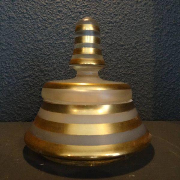 Antiek mat glazen poededons dekselbakje met gouden randen