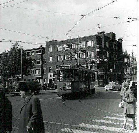 Rotterdam - Bergweg links van de tram is de Bergsingel en rechts de Noordsingel (de richting die de tram aan het nemen is ).
