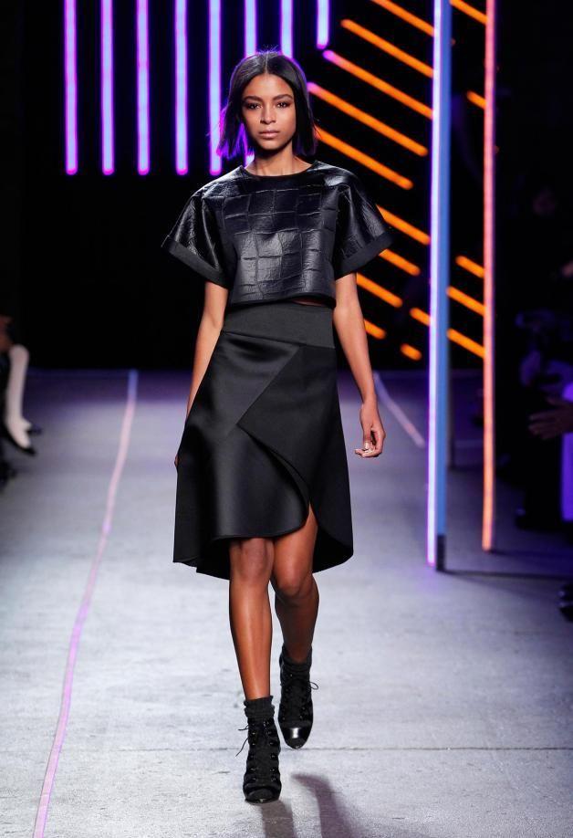 Milly Black asymmetrical skirt from Fall winter 2015 runway