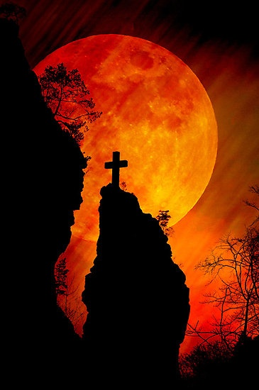 »✿❤ Cross and fullmoon in harmony by Pirmin Nohr❤✿« #HelloOrange