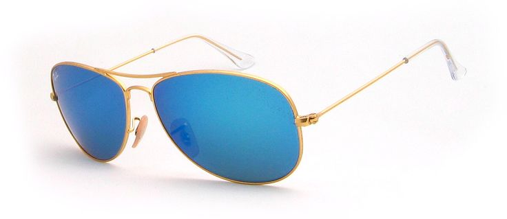 Sonneschutz: C-3 Glas: braun, blau verspiegelt inkl. original Ray-Ban Etui Ray-Ban Sonnenbrillen bei Hit-Optik.de Sonnenbrillen von Ray-Ban sind die meist verkauftesten Sonnenbrillen überhaupt. In den Verkaufscharts sind immer die Aviator und Wayfarer ganz oben anzutreffen. Denn Ray-Ban besticht durch sein zeitloses Design, bereits seit über 80 Jahren. Neben der Wayfarer, Aviator und NEW Wayfarer bietet Ray-Ban aber auch zahlreiche andere Sonnebrillen wie diese, dessen Designs oftmals an…