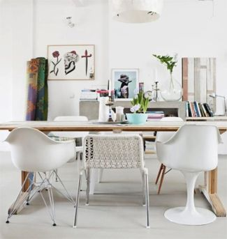 Witte verschillende stoelen