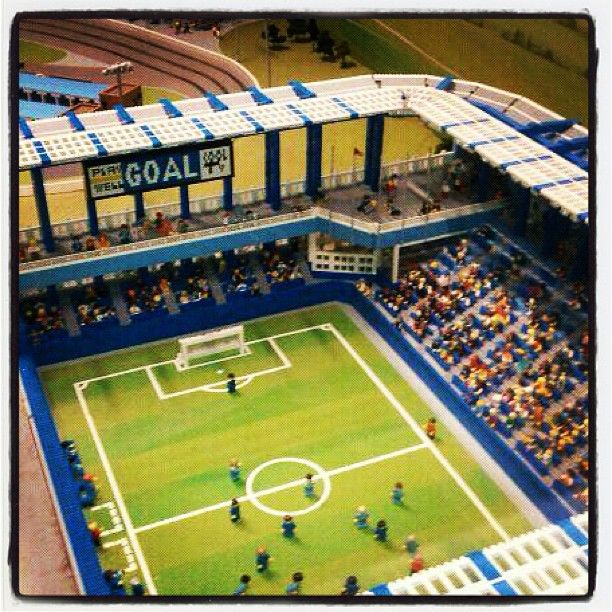 how to build a lego football stadium