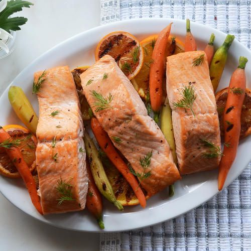 Paleo Dilly Salmon Packets with Carrots