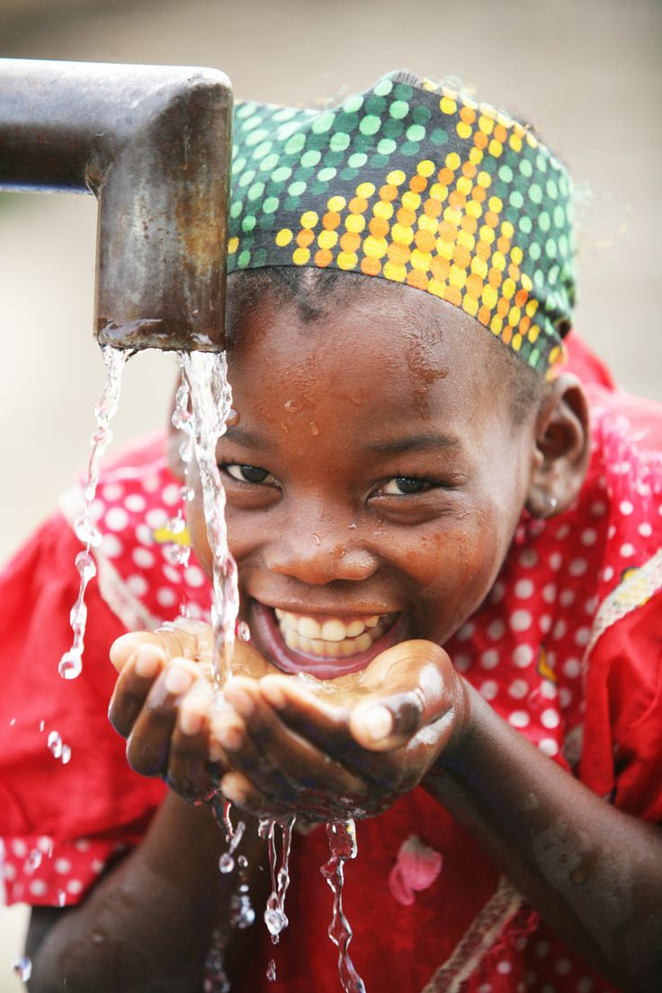 UNICEF provides support and technical assistance to the Government to increase water and sanitation coverage, improve service delivery and reduce the incidence of water-born diseases such as cholera and diarrhoea in rural and urban parts of the country with low coverage and high incidence of water-borne illnesses.