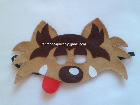 Máscara de feltro lobo mau para brincar na festa de aniversário .Tema chapéuzinho vermelho e três porquinhos. Lembrancinhas ,ou acessório para entreter as crianças na festinha,para ser usado no cantinho das fotos.... como fantasia. Faço a máscara de outros bichinhos também,porquinho,gato,gata,coruja.... Consulte pelo e mail feltronocapricho@gmail.com R$12,00