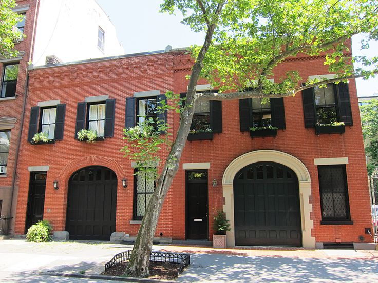 17 best images about architecture carriage houses on for Carriage house homes
