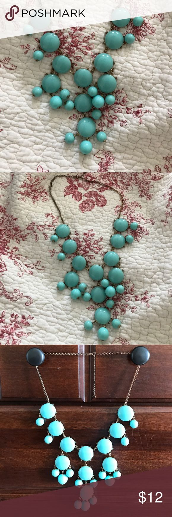 Bubble necklace turquoise Like new gold and turquoise bubble necklace. Beautiful during the summer! Jewelry Necklaces