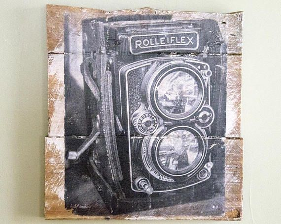 Hey, I found this really awesome Etsy listing at https://www.etsy.com/ca/listing/570356652/vintage-rolleiflex-camera-wall-hanging