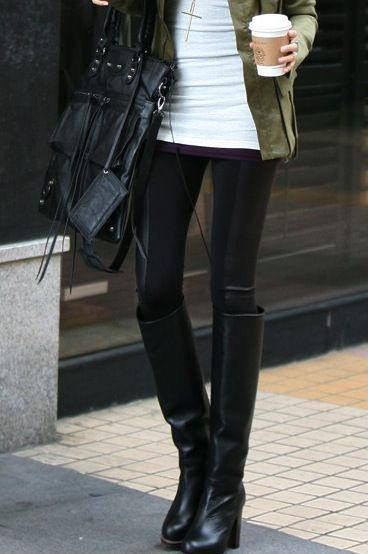 fall inspiration, leather legging black boots, fringe purse