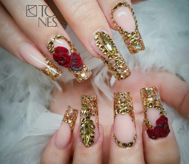 @vaneg48 #Nail  #Nails #nailsdecoration #cute #nailpolish #swrovsky #roses #nailgalon #nailglam #nailart #tumbrl #girl