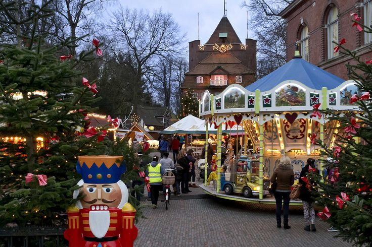 Historisches Backsteinschloss und Weihnachtsmarkt http://reisegezwitscher.de/reisetipps-footer/2186-winter © Nordseeheilbad Cuxhaven GmbH #reise #winter #see