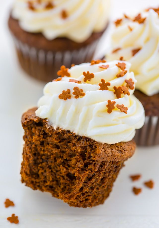 Moist and fluffy Gingerbread Latte Cupcakes!