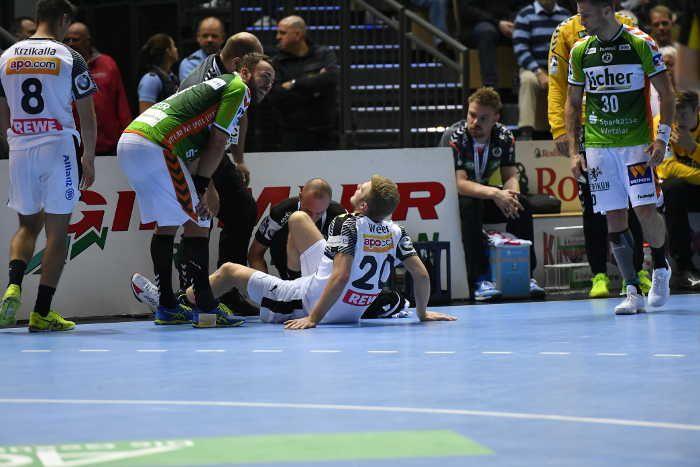 Der SC DHfK Leipzig setzt sich in der Handball-Bundesliga durch einen 23:22 (10:11) Auswärts-Erfolg gegen Tabellen-Nachbar HSG Wetzlar in der Spitzengruppe der Liga fest. Nationalspieler Niclas Pieczkowski erzielte vier Sekunden vor Ultimo den Siegtreffer für die Sachsen, die nun mit 10:4 Punkten auf dem vierten (Europacup)-Tabellenplatz liegen. Philipp Weber schied in der 27. Minute verletzt aus.