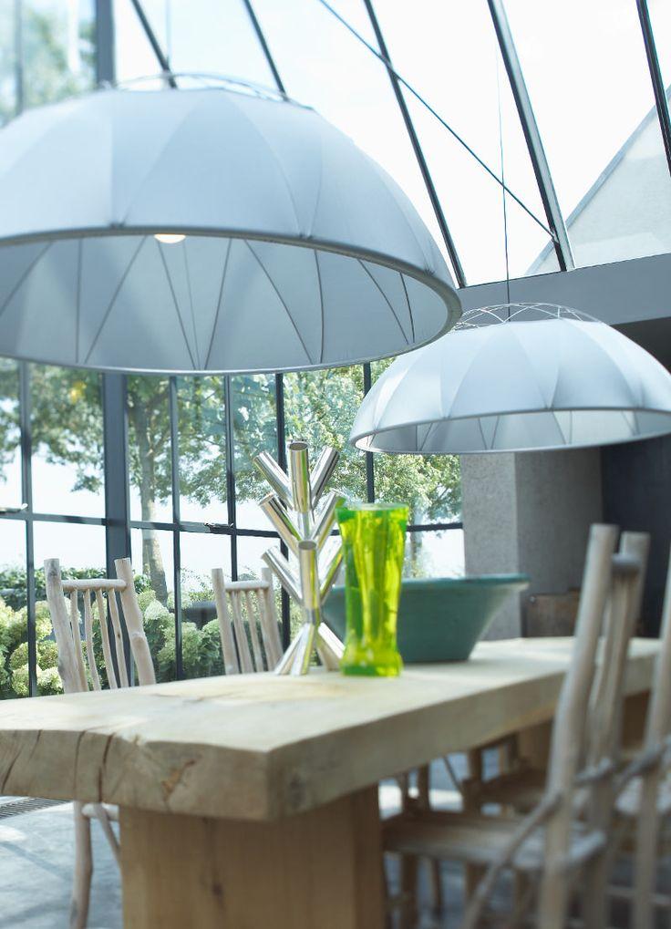 Deze hanglamp van Hollands Licht past prachtig in een grote ruimte! #dutchdesign #lighting