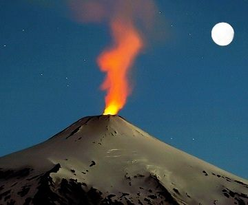 Chile - volcan-villarrica - by @turichile