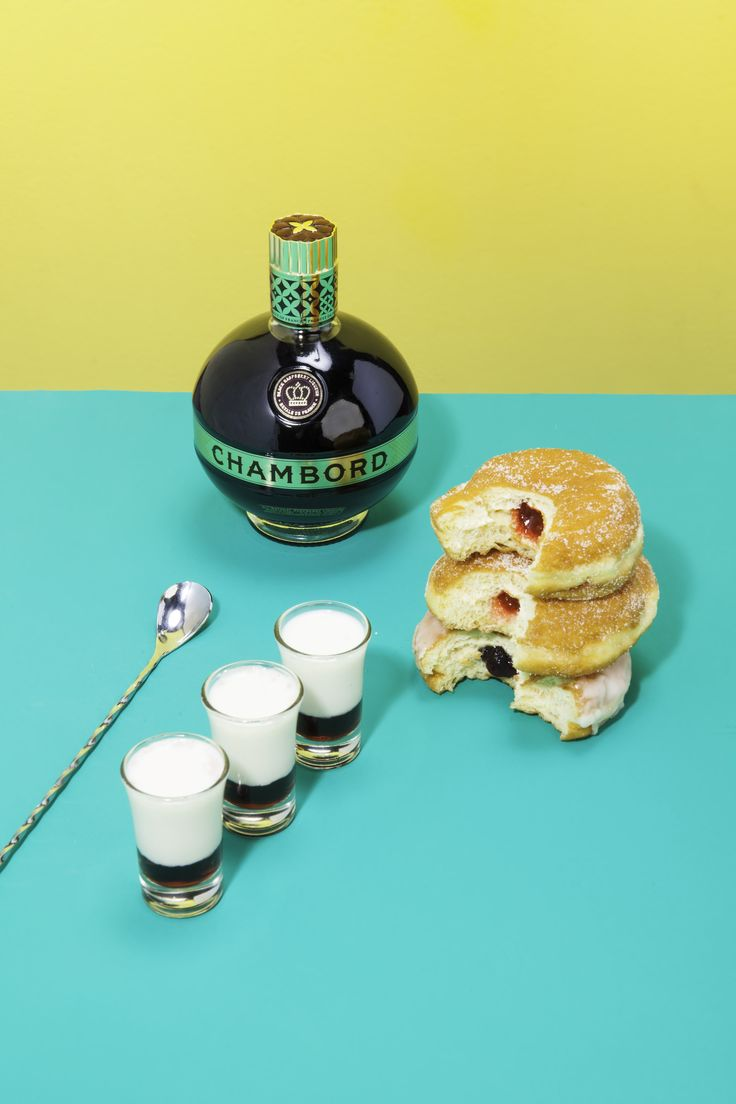 CHAMBORD Jelly Doughnut. Doughnut or donut? If you share, the tongues will chime in. ••• 1 part CHAMBORD Liqueur 2 parts RUMCHATA® ••• Pour CHAMBORD into a shot glass. Then pour RUMCHATA® into a shaker with ice. Shake, shake, shake, and layer over CHAMBORD with a spoon.