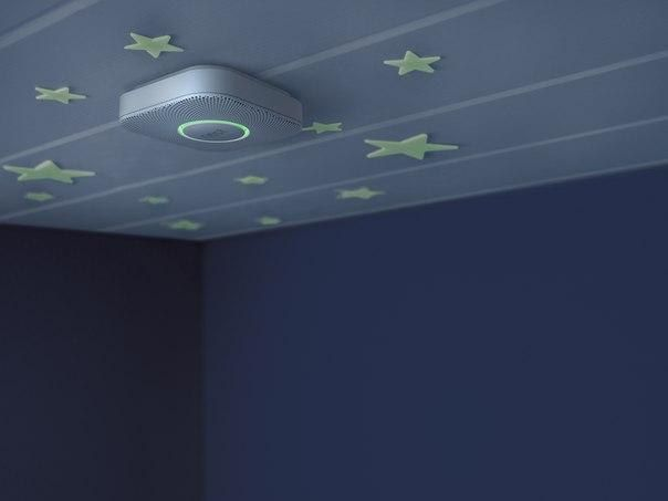 """Для борьбы со всяческими опасениями служит Nest Protect - датчик, который реагирует на дым, угарный газ, пожар, движение. Если гаджет понимает что """"что-то пошло не так"""", он сразу же скидывает вам оповещение на смартфон или вы услышите сирену. Таким образом умное устройство заменяет датчик движения, охранную и пожарную сигнализацию.  #жк_науковий #недвижимостькиев"""