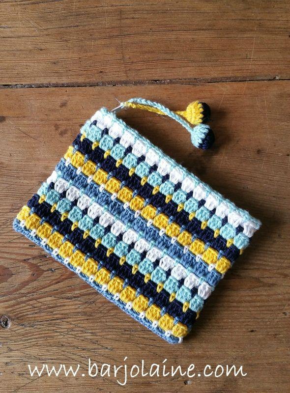 Tuto Crochet Trousse - Le tuto d'une trousse colorée en crochet, pour aborder l'hiver avec un grand sourire et du soleil dans notre coeur !