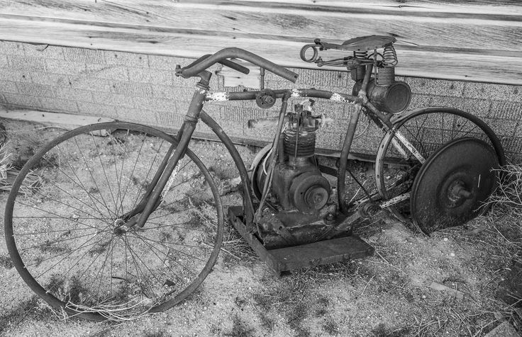 https://flic.kr/p/VevCUJ | Bike | Set of 22  Goldfield, Nevada Ghost Town May 2017  No commercial use without prior approval.  Thanks.