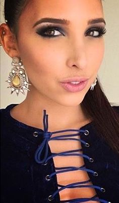 We love how @Mariale wears her Spikes!!  Nos encanta como le quedan los #DodoPincho a @Mariale.    #Mariale #Dopodomani #Earrings #Moda #MakeUpLocalypse