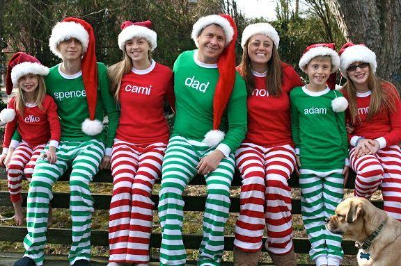 cute pix idea:  matching Christmas family pajamas