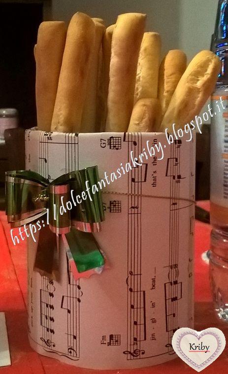 Portagrissini home made, a tema musica. Divertitevi a realizzare dei porta-tutto riciclando bottiglie di plastica o contenitori vari!   *Dolce Fantasia Kriby*