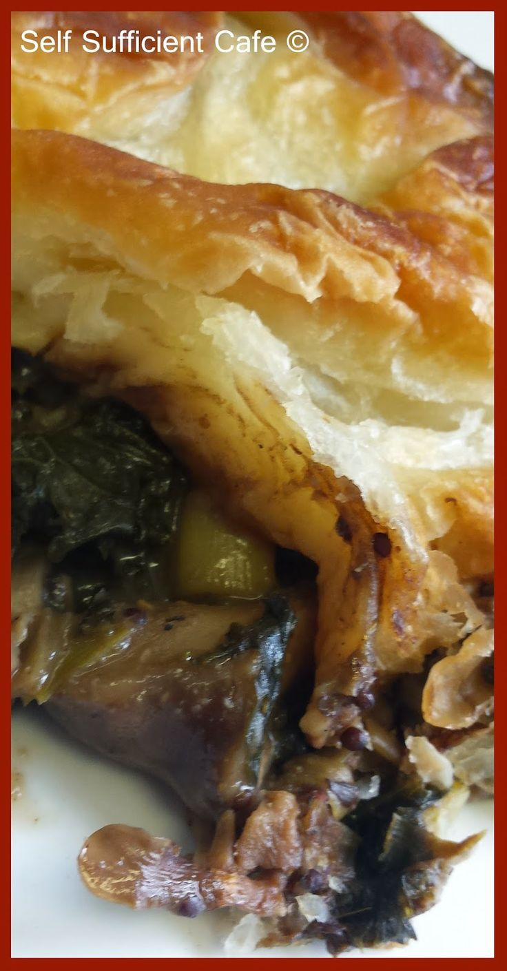 Self Sufficient Cafe: Mushroom and Kale Pie
