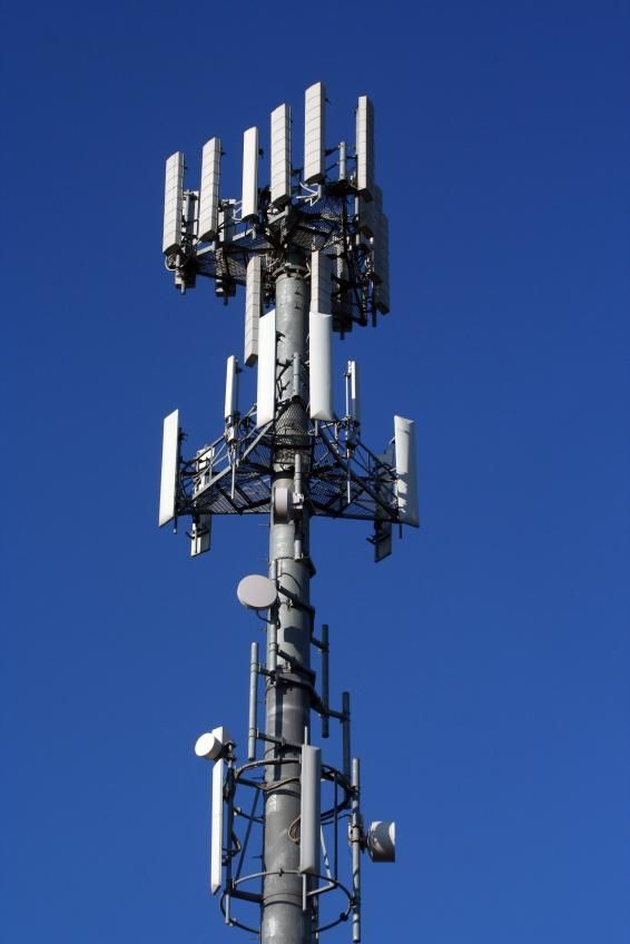 Antenna Search: How to find or avoid Cell Towers Near you