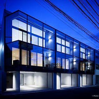【soho_tokyo】さんのInstagramの写真をピンしています。《住居兼事務所を検討されている方へ、珠玉の物件。 . . . ビルドインガレージ、大きなベッドルーム、床が白の大理石のリビング・ダイニング・キッチン… . . ぜひウェブサイトで詳細をご確認ください!夢が広がります。. ★今回ご紹介のお部屋と、その他おしゃれなデザインSOHO情報は、プロフィールのリンクからどうぞ! ★ . . #風#竹#竹林#林#風の通り道#ブリーズ》