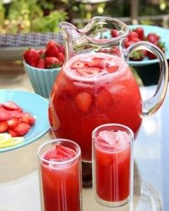 Strawberry Lemonade/Pioneer Woman/Ree Drummond http://www.foodnetwork.com/recipes/ree-drummond/strawberry-lemonade.html