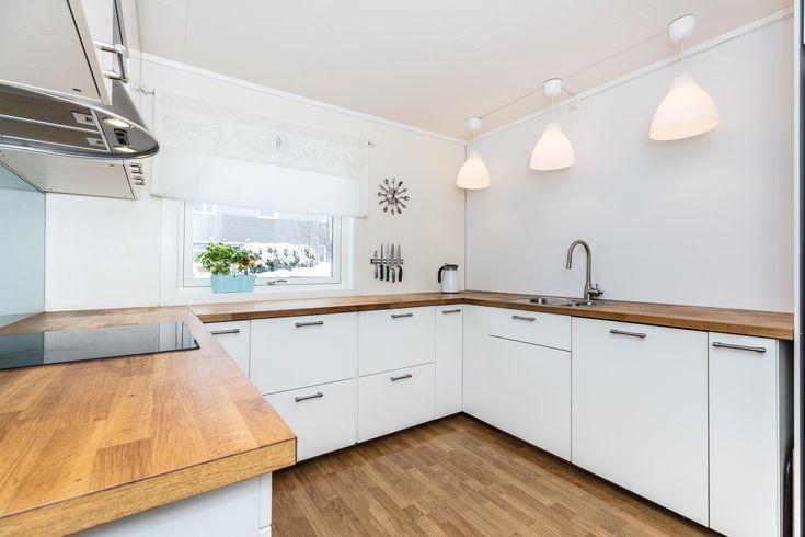 (14) Skjetten - Rekkehus over 2 plan - 4 soverom - Nyere kjøkken - Alle utvendige flater modernisert! | FINN.no