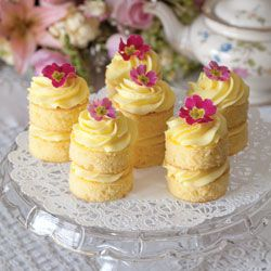 Lemon Buttercream Cakes- FABULOUS brunch, bridal, baby shower or even wedding dessert table idea!