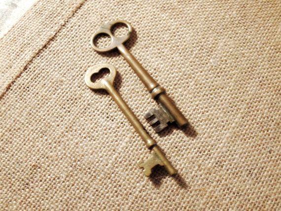 Vintage / antieke industriële messing skelet door AandNmercantile