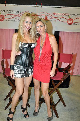 Two blonde MILFS: Desi Dalton (left) and Jodi West (right