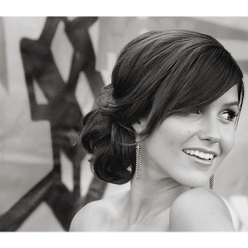 Love this for many reasons...It's classy and would definitely fit the theme of my wedding....2- THAT'S BROOKE DAVIS!!!!