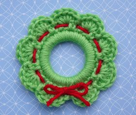 Whiskers & Wool: Christmas Wreath Ring Ornament