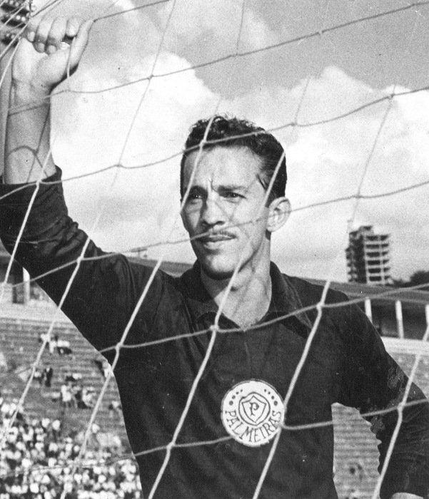 10° - Valdir de Moraes - 482 jogos entre 1958 e 1968