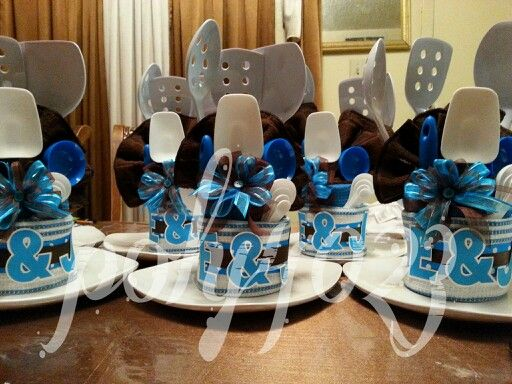 Kitchen utensil centerpieces to purchase for needy families. Party IdeasGift IdeasHousewarming ... & 9 best Decorating images on Pinterest | Decorating ideas Center ...