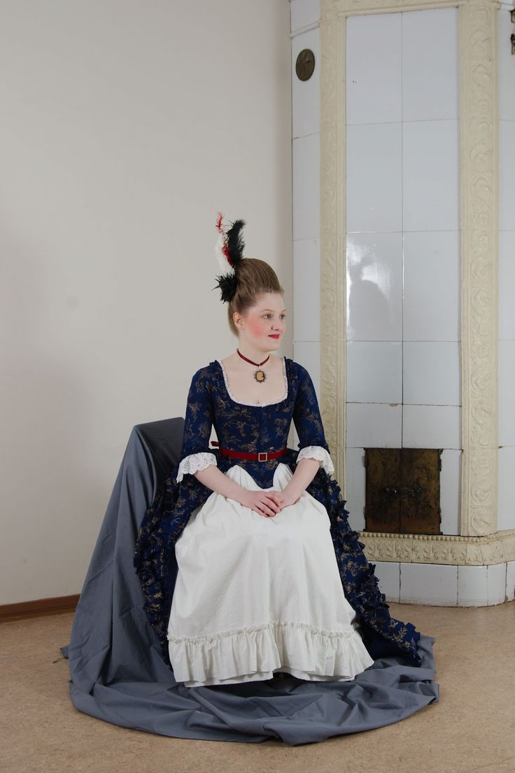 Early costumes: Floral robe à l'Anglaise, 2009