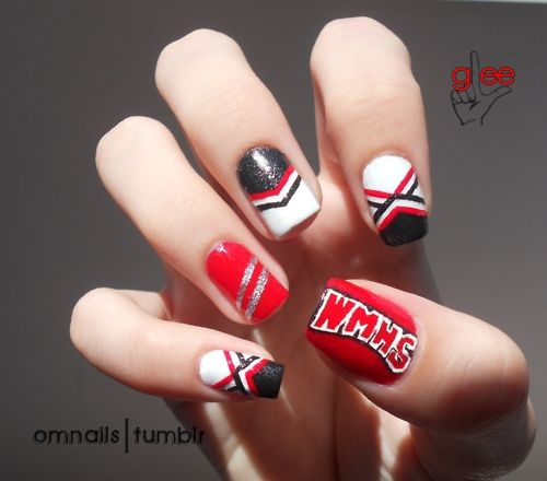 omnails:    Glee nail art - part 1 - Cheerios | I love Glee, I really love it. One of my dear followers asked for this nail art and it was the perfect idea! It's ok to be a loser like me, and that's one of the reasons why I love glee, I'm so inspired now, haha :) Hope you gleeks love it! xoxo  part 2