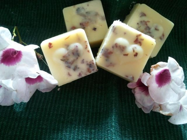 Bath Melts. Rose Geraniam with Certified organic dried rose petals. All natural ingredients used.        4 pack $10.00        Great gift idea. Please contact me on naturalblossoms@gmail.com or find me on facebook.