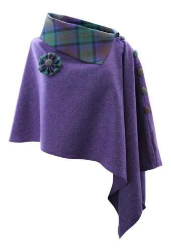 5d9482bbf27548 Superbe-Violet-Rave-Tweed-Poncho-Cape -Wrap-avec-Isle-Of-Skye-Tartan-Col-Roule