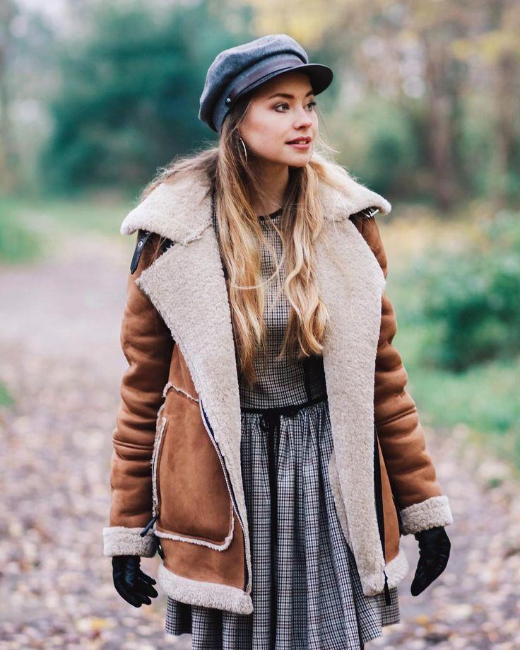 Kochani przypominam o nowej stylizacji i zdjęciach na blogu zimowej w jesiennych kolorach ps. Futerko jest najcieplejsze Miłego dnia fot. @pistacjowatarta #me #style #fur #winteroutfit #kaszkiet #dress #belette