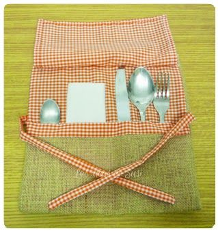 "I added ""Las ideas de Susi: Bolsa para cubiertos"" to an #inlinkz linkup!http://lasideasdesusi.blogspot.com.es/2014/03/bolsa-para-cubiertos.html"