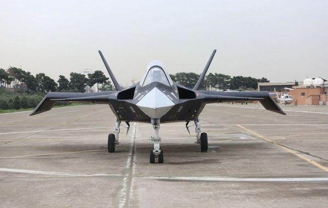 """""""Jet tempur"""" Iran tak bisa terbang  Qaher 313 pernah jadi bahan olok-olokan pengamat peralatan militer dan ahli dirgantara  Sebuah hal aneh kembali dilakukan oleh Republik Syi'ah Iran. Mereka memamerkan """"pesawat tempur"""" yang cuma bisa bergerak di jalan. Foto dan video muncul pada Sabtu (15/4) diceritakan prototipe baru jet tempur siluman Iran Qaher F-313. Prototipe sebelum itu diejek sejumlah pakar penerbangan yang menyebutnya """"tidak akan pernah bisa terbang"""". Versi update Qaher F-313…"""