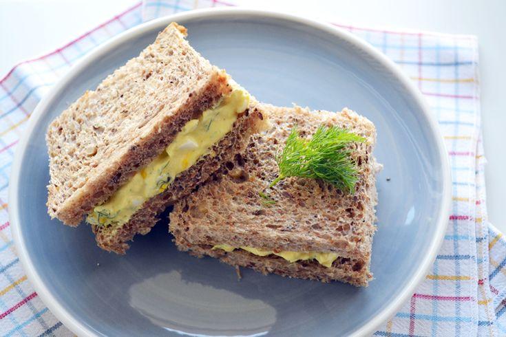 σάντουιτς με αυγοσαλάτα