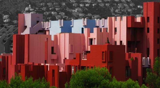 Vista del Edificio de viviendas la muralla roja en Calpe © Imagen cedida por el Ayuntamiento de Calp